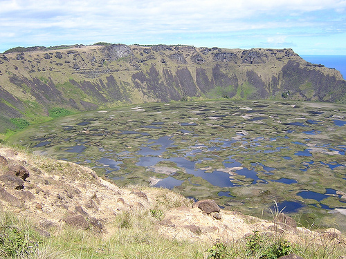 rano kau 10 Most Amazing Crater Lakes in the World