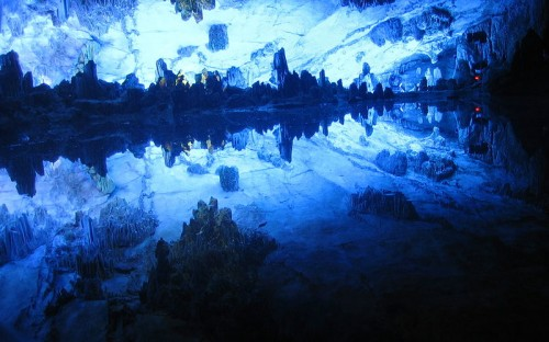 800px Guilin Reed Flute Cave e1300210665161 10 of the Worlds Most Amazing Geological Wonders